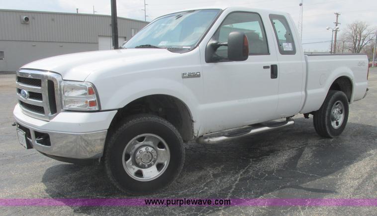 E7186.JPG - 2007 Ford F250 XLT Super Duty SuperCab pickup truck , 126,214 miles on odometer , 5 4L V8 SOHC 16V g...