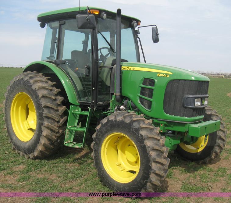 E3358.JPG - 2009 John Deere 6100D MFWD tractor , 1,562 actual hours , John Deere four cylinder diesel engine , M...
