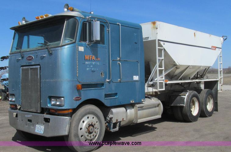 E3848.JPG - 1985 Peterbilt 362 dry tender truck , 639,784 miles on odometer , Cummins NT 14 0L L6 diesel engine ...