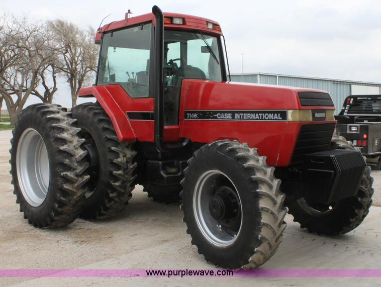 F8682.JPG - Case IH 7140 MFWD tractor , 6,661 hours on meter , 8 3L six cylinder diesel engine , Powershift tran...