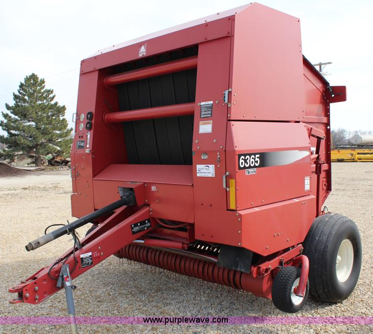 G5320.JPG - 2002 New Idea 6365 round baler , 1000 PTO , Monitor , Bale kicker , 7W pickup head , Dual twine arms...