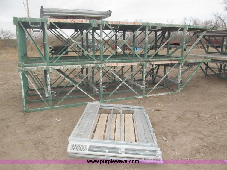 B5449.JPG - 2002 Hydro Mobile 18 x 7 cantilever sections , Two platforms total , Approximately 18 3/4 quot L x7W...