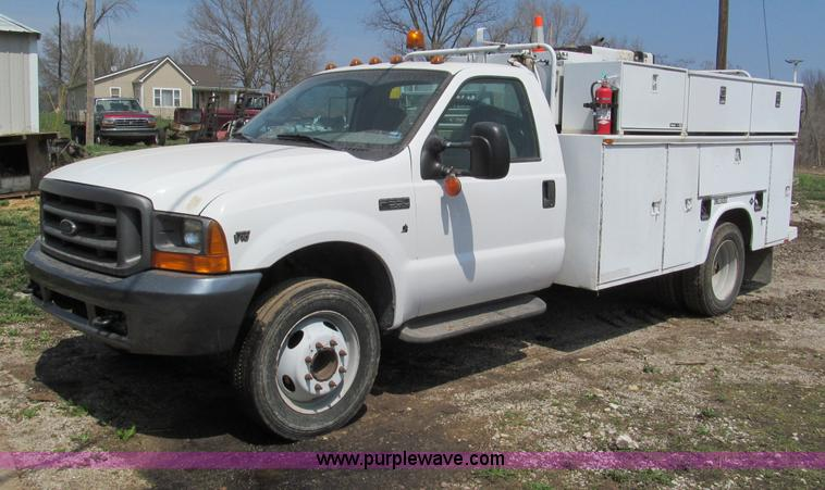 E5981.JPG - 2000 Ford F550 Super Duty service truck , 55,967 actual miles , 6 8L V10 gas engine , Automatic tran...