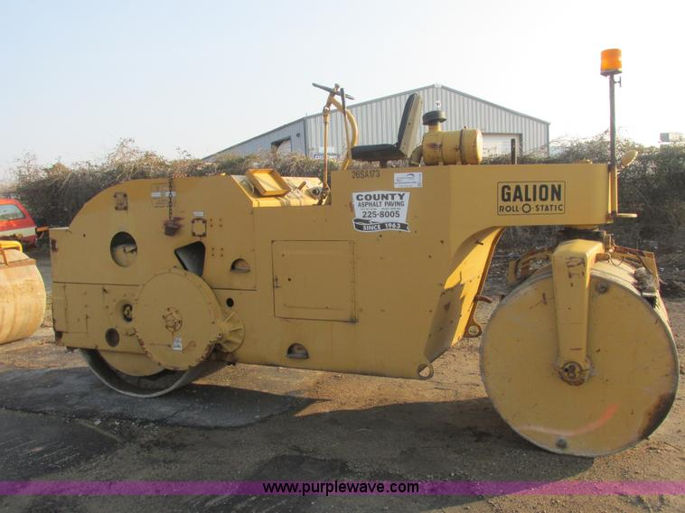 E7156.JPG - Galion TH812G Roll O Static roller , Three cylinder diesel engine , Hydrostatic drive , Hydraulic st...