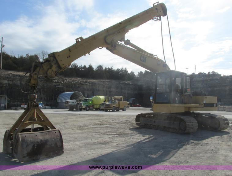 F4440.JPG - 1990 Caterpillar EL240B dredge hoe , 954 hours on meter , Caterpillar 3116 diesel engine , Serial 1C...
