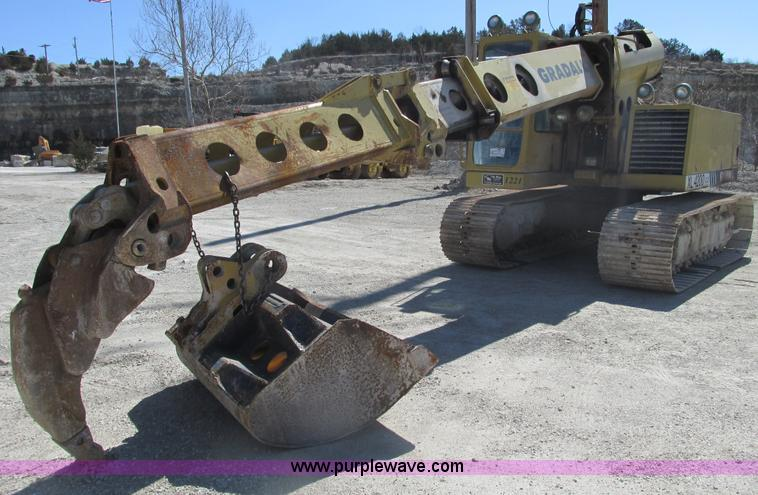 F4443.JPG - 1993 Gradall XL4200 excavator , 1,587 hours on meter , Cummins 359 diesel engine , 253 quot boom len...