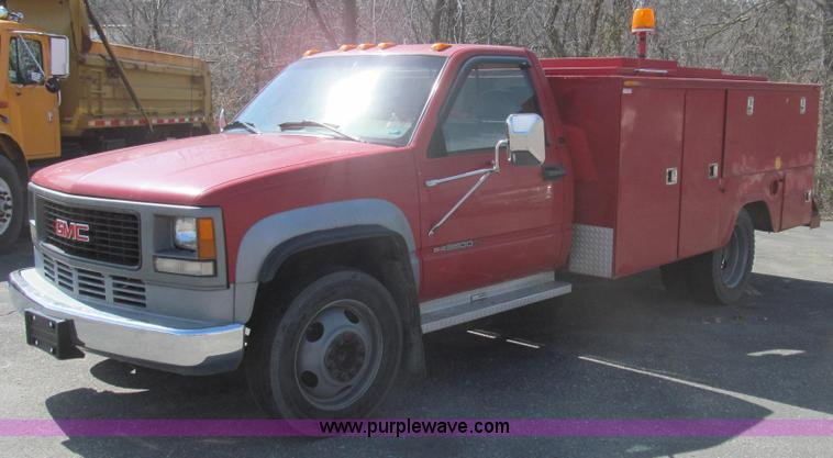 E3853.JPG - 1995 GMC Sierra 3500 utilty truck , 151,554 miles on odometer , 6 5L V8 OHV 16V turbo diesel engine ...