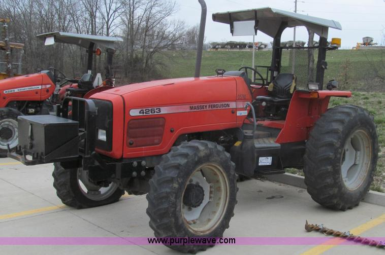 E3869.JPG - 2000 Massey Ferguson 4263 MFWD tractor , 3,546 hours on meter , Perkins 6 0L six cylinder diesel eng...