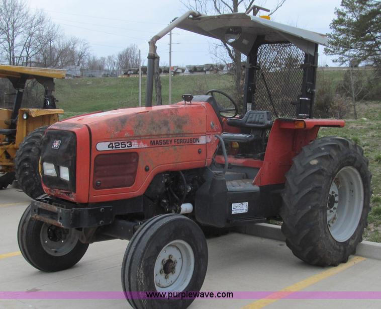 E3872.JPG - 1999 Massey Ferguson 4253 tractor , 3,339 hours on meter , Perkins A4023 four cylinder diesel engine...