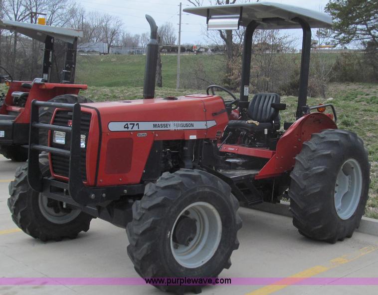 E3873.JPG - 2006 Massey Ferguson 471 MFWD tractor , 1,241 hours on meter , Perkins 4 4L four cylinder diesel eng...