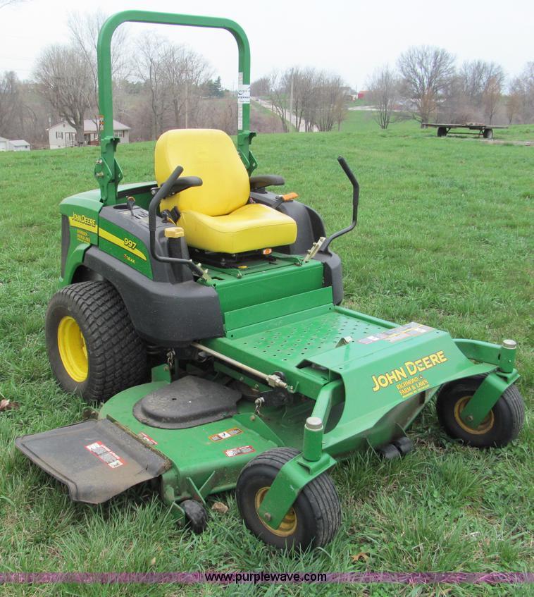 E5989.JPG - John Deere 997 ZTrak ZTR commercial lawn mower , 254 hours on meter , 72 quot cut , Yanmar three cyl...