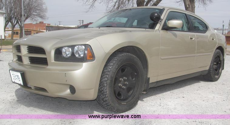 B5461.JPG - 2010 Dodge Charger , 76,680 miles on odometer , 5 7L V8 OHV 16V gas engine , Automatic transmission ...