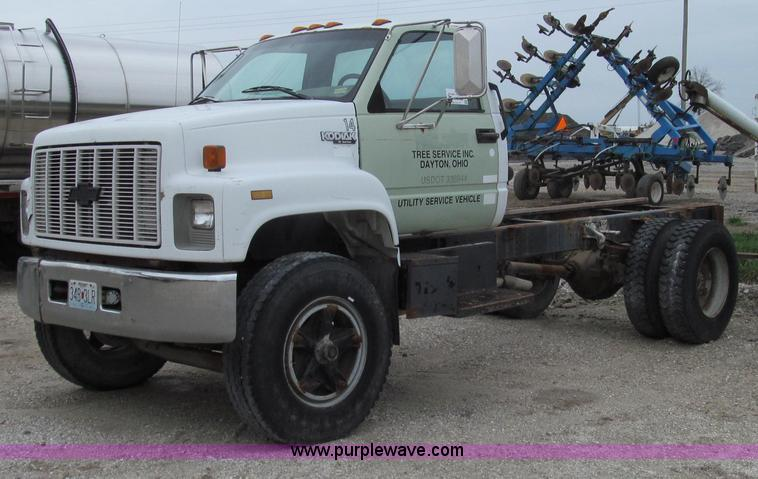 E3884.JPG - 1996 Chevrolet Kodiak cab and chassis , 214,643 miles on odometer , 6 0L V8 gas engine , Five speed ...