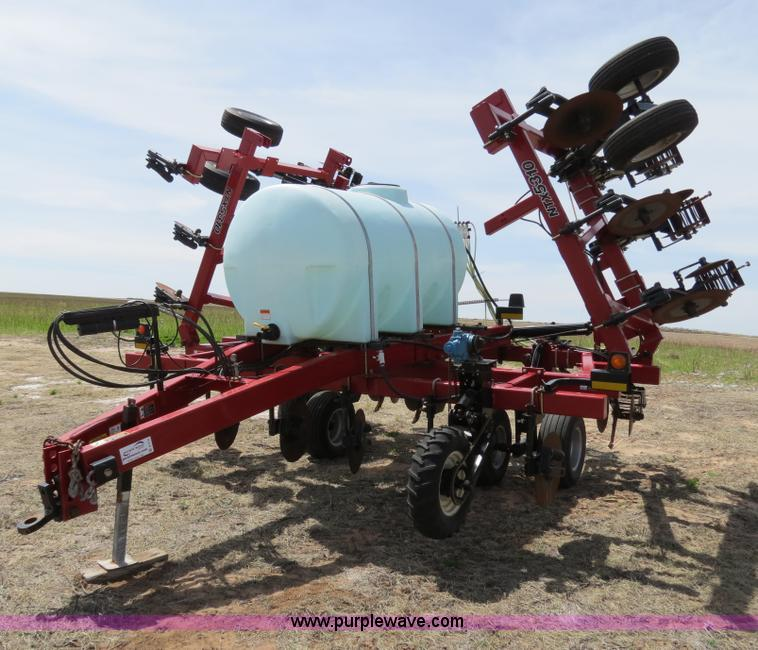 B4710.JPG - 2008 Case IH NTX5310 DMI strip till Nutri tiller , 12 row , 30 quot spacing , 750 gallon tank , Hydr...