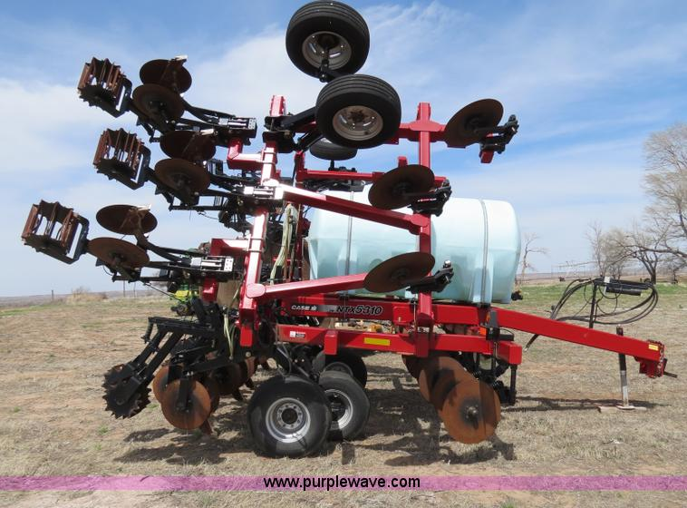 B4710C.JPG - 2008 Case IH NTX5310 DMI strip till Nutri tiller , 12 row , 30 quot spacing , 750 gallon tank , Hydr...