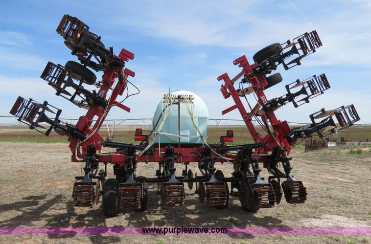 B4710E.JPG - 2008 Case IH NTX5310 DMI strip till Nutri tiller , 12 row , 30 quot spacing , 750 gallon tank , Hydr...