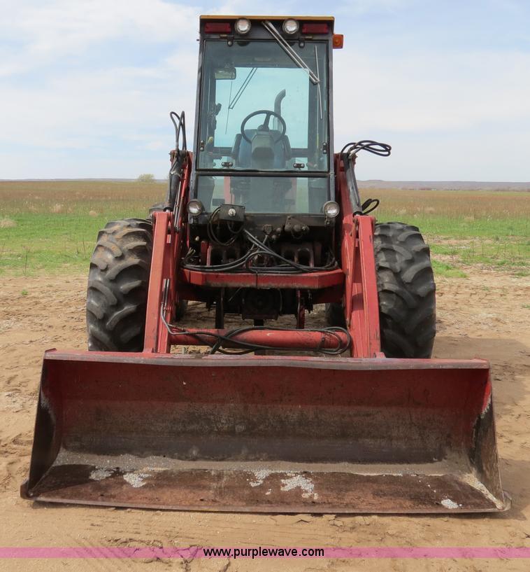 B4722A.JPG - 1988 Versatile 276 Bi directional 4WD tractor , 5,452 hours on meter , Cummins 4BTA 3 9 four cylinde...