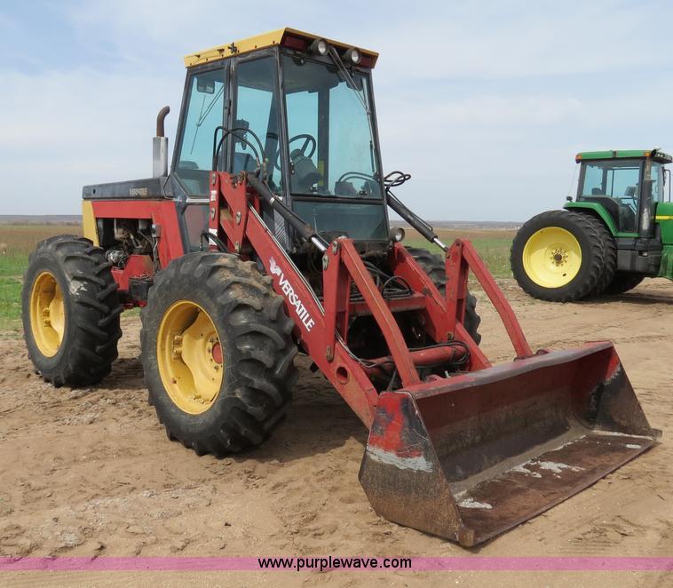 B4722B.JPG - 1988 Versatile 276 Bi directional 4WD tractor , 5,452 hours on meter , Cummins 4BTA 3 9 four cylinde...