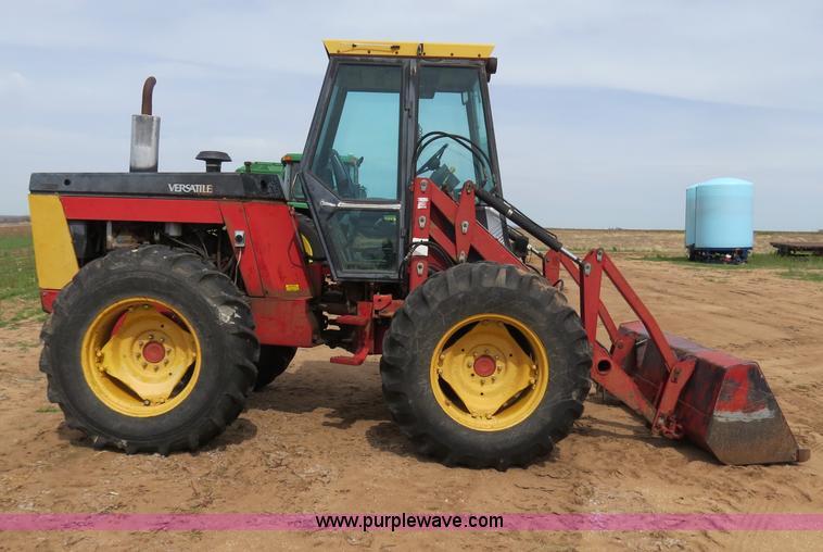 B4722C.JPG - 1988 Versatile 276 Bi directional 4WD tractor , 5,452 hours on meter , Cummins 4BTA 3 9 four cylinde...