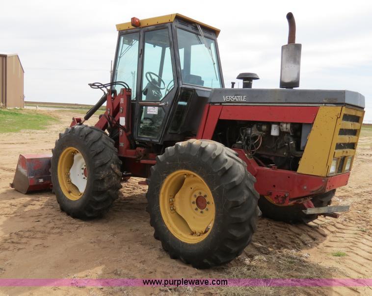 B4722F.JPG - 1988 Versatile 276 Bi directional 4WD tractor , 5,452 hours on meter , Cummins 4BTA 3 9 four cylinde...