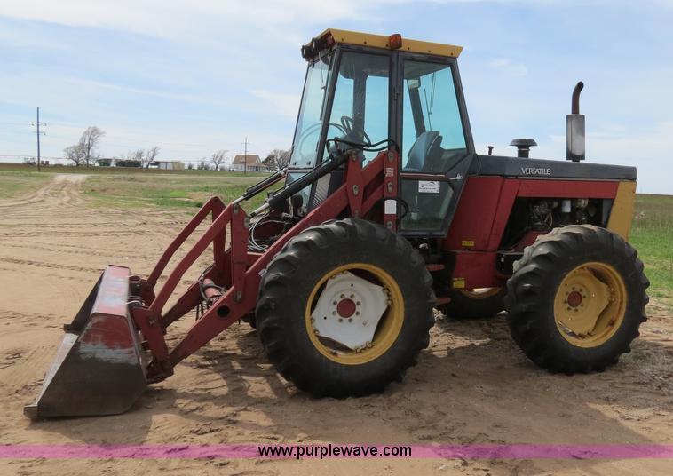 B4722G.JPG - 1988 Versatile 276 Bi directional 4WD tractor , 5,452 hours on meter , Cummins 4BTA 3 9 four cylinde...