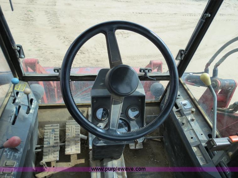 B4722J.JPG - 1988 Versatile 276 Bi directional 4WD tractor , 5,452 hours on meter , Cummins 4BTA 3 9 four cylinde...