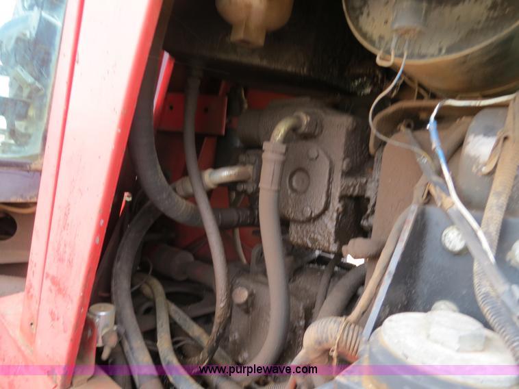 B4722ZF.JPG - 1988 Versatile 276 Bi directional 4WD tractor , 5,452 hours on meter , Cummins 4BTA 3 9 four cylinde...