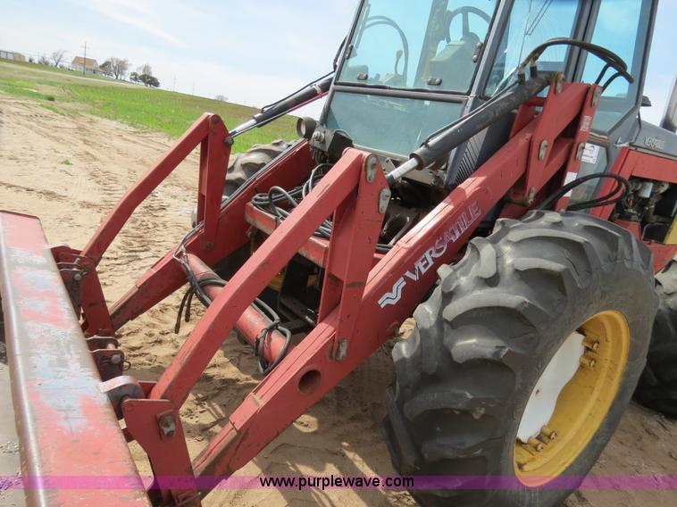 B4722ZZE.JPG - 1988 Versatile 276 Bi directional 4WD tractor , 5,452 hours on meter , Cummins 4BTA 3 9 four cylinde...