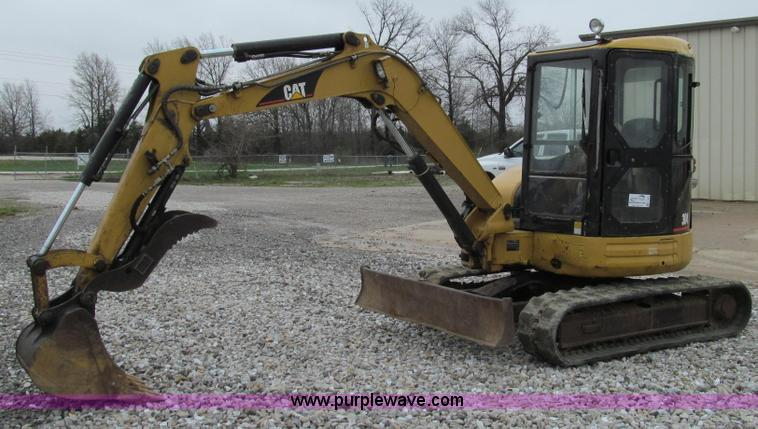 E3903.JPG - 2006 Caterpillar 304CR mini excavator , Mitsubishi four cylinder diesel engine , 43 8 HP , Enclosed ...