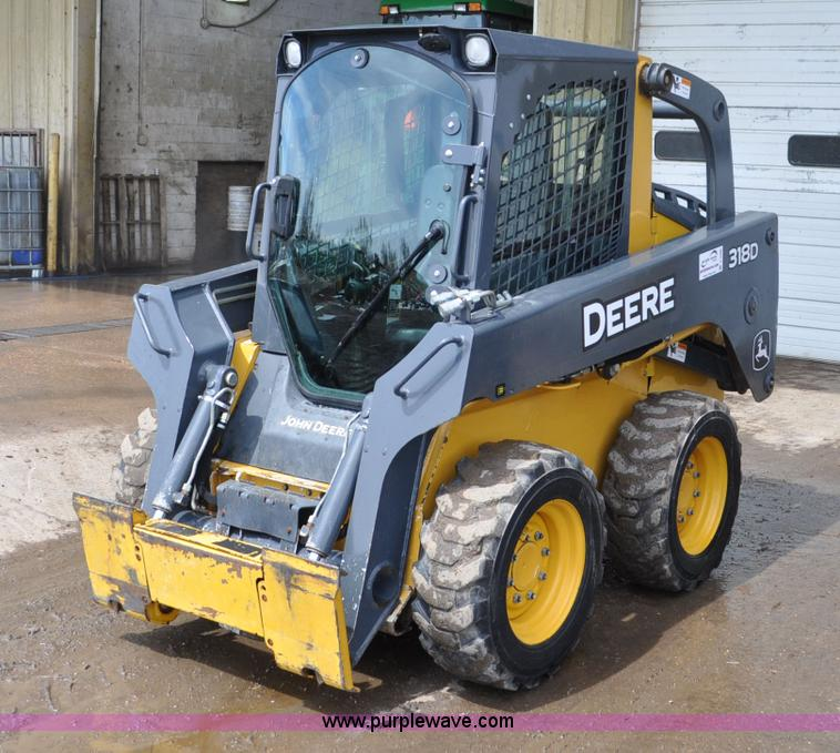 C3496.JPG - 2011 John Deere 318D skid steer , 1,113 hours on meter , John Deere 4024HT 2 4L turbo diesel engine ...