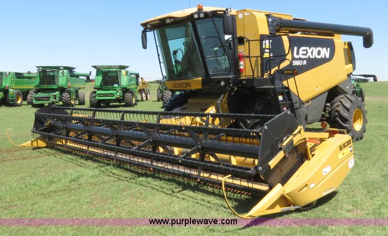 F8776.JPG - 2009 Caterpillar Lexion 560R 2WD combine , 334 engine hours on meter , 272 separator hours on meter ...