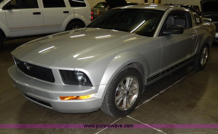 D8133.JPG - 2006 Ford Mustang , 85,055 miles on odometer , 4 0L V6 SOHC 12V gas engine , Automatic transmission ...