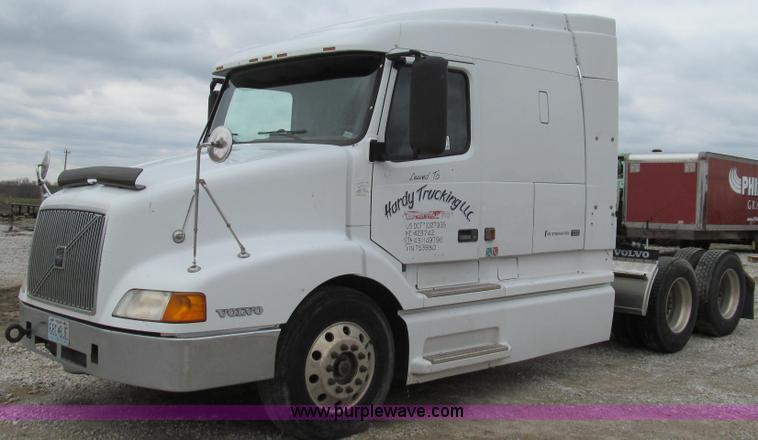 E3896.JPG - 1998 Volvo VN semi truck , 652,407 miles on odometer , Volvo VE D12 12 1L L6 diesel engine , 425 HP ...