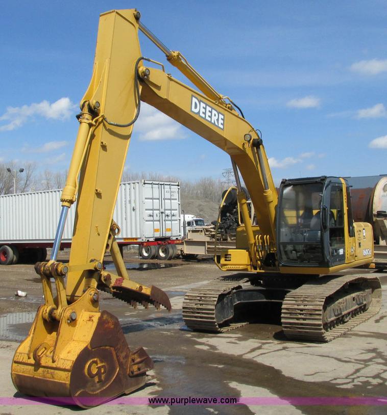 E5076.JPG - 2005 John Deere 160C LC excavator , 1,247 hours on meter , John Deere 4 5L diesel engine , AM/FM , F...