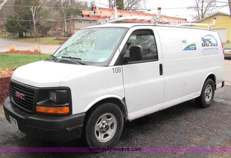G2933.JPG - 2006 GMC Savana G1500 Cargo van , 197,898 actual miles , 5 3L V8 OHV 16V gas engine , Automatic tran...