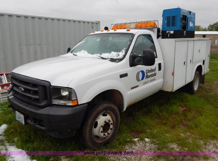 G3180.JPG - 2004 Ford F550 service truck , 103,334 miles on odometer , 6 0L V8 OHV 32V turbo diesel engine , Aut...