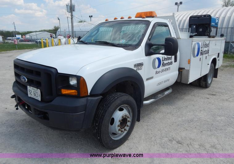 G3193.JPG - 2006 Ford F550 XL service truck , 114,034 miles on odometer , 6 0L V8 OHV 32V turbo diesel engine , ...