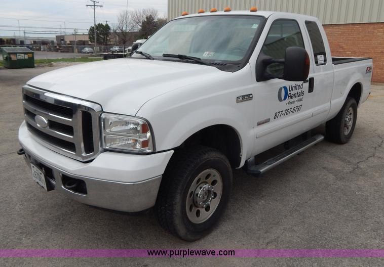 G3195.JPG - 2006 Ford F250 SuperCab pickup truck , 196,266 miles on odometer , 6 0L V8 OHV 32V turbo diesel engi...