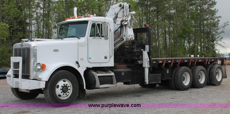 H3580.JPG - 1998 Peterbilt 320 flatbed truck with knuckle boom crane , 366,947 miles on odometer , 6,010 hours o...