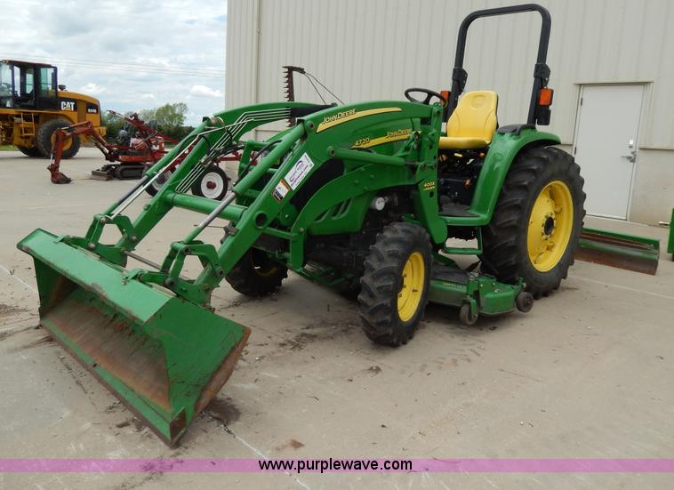 D8164.JPG - John Deere 4720 tractor , 788 hours on meter , John Deere diesel engine , Model 4024TLV03 , Serial P...