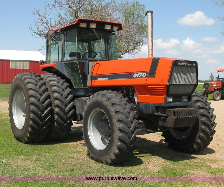 D8302.JPG - 1989 Deutz Allis 9170 MFWD tractor , 5,371 hours on meter , Deutz Allis six cylinder diesel engine ,...