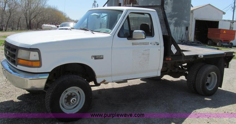 E3920.JPG - 1993 Ford F350 XL flatbed pickup truck , 107,846 miles on odometer , 7 3L V8 OHV 16V diesel engine ,...