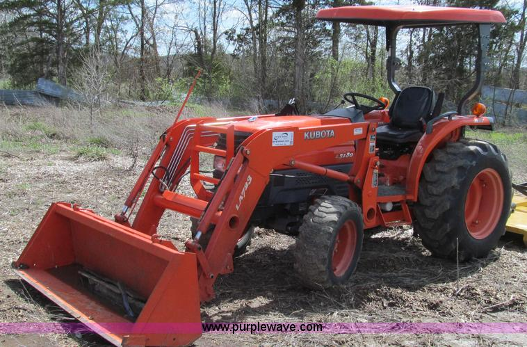 E3911.JPG - 2011 Kubota L3130 tractor , 661 hours on meter , Three cylinder liquid cooled diesel engine , 31 HP ...