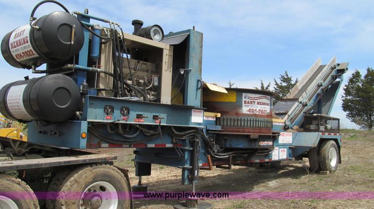 E3916.JPG - 2005 Universal Refiner Rascal tub grinder , 1,119 hours on meter , Cummins M11 six cylinder diesel e...