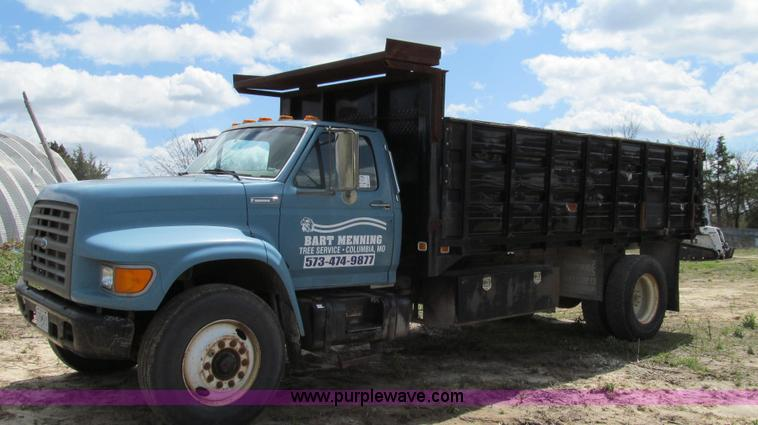 E3917.JPG - 1995 Ford F800 dump truck , 196,084 miles on odometer , Cummins ISB 5 9L L6 diesel engine , Recondit...