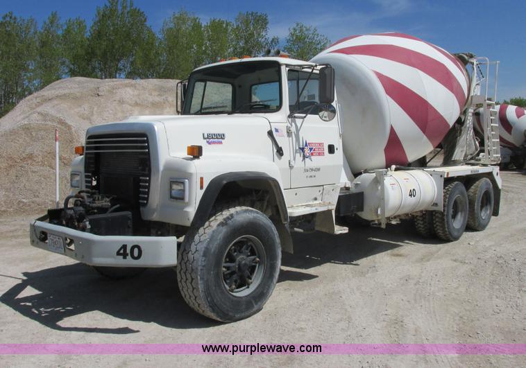 E7228.JPG - 1995 Ford L9000 mixer truck , 101,782 miles on odometer , Cummins L10 10 0L L6 diesel engine , 8LL m...