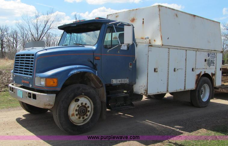 G2964.JPG - 1991 International 2500 tool truck , 43,171 miles on odometer , International DT466 7 6L L6 diesel e...