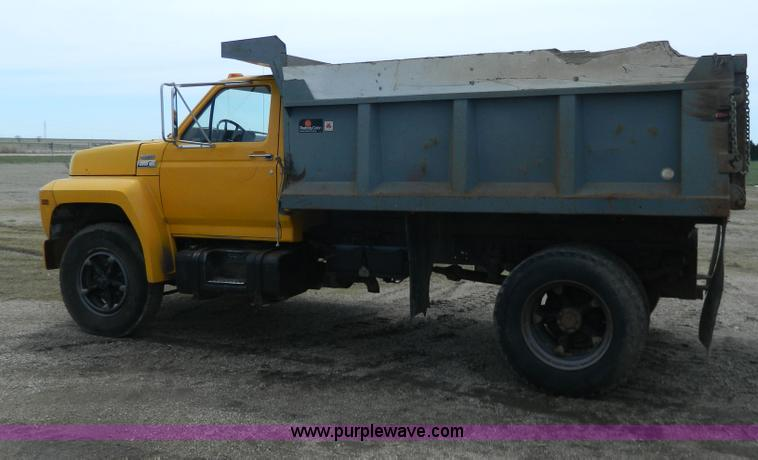 1982 Ford F700 Dump Truck No Reserve Auction On Tuesday
