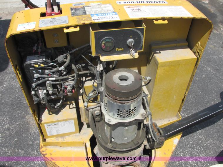 Fork Lift Forward And Reverse Levers : Electric forklift no forward or reverse use a pole
