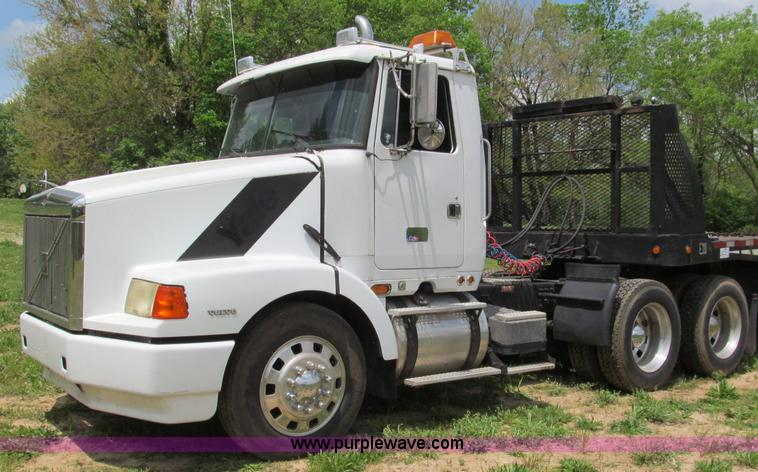 F5065.JPG - 1996 Volvo 64T semi truck , 840,986 miles on odometer , Volvo VE D12 425 12 1L L6 turbo diesel engin...